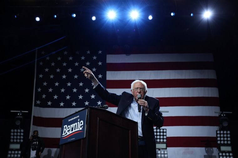 Image: Bernie Sanders at a rally in Los Angeles
