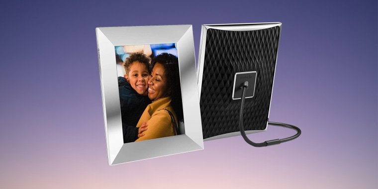 """Digital frames for photos have been around for ages. They now make up just one small piece of a burgeoning category of tech known as """"smart art."""""""