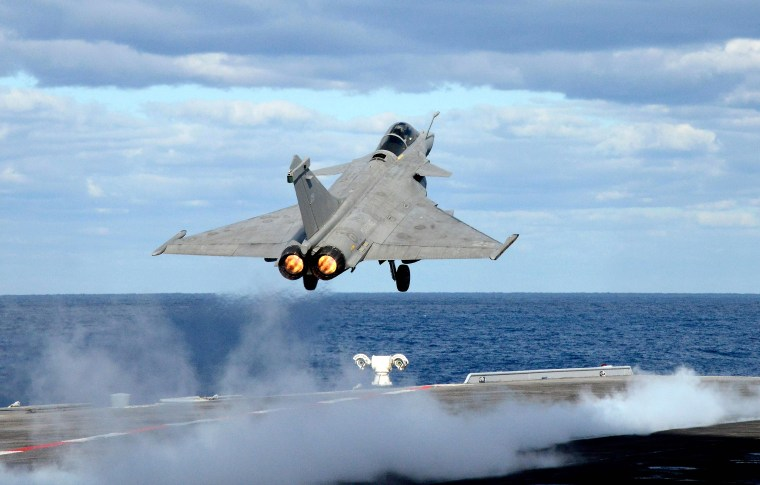 Image: FRANCE-NAVY-CARRIER-IS-DEFENCE