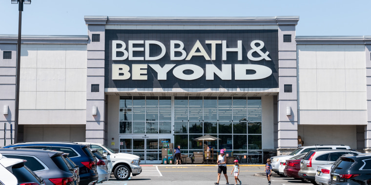Bed Bath & Beyond store in Totowa, New Jersey