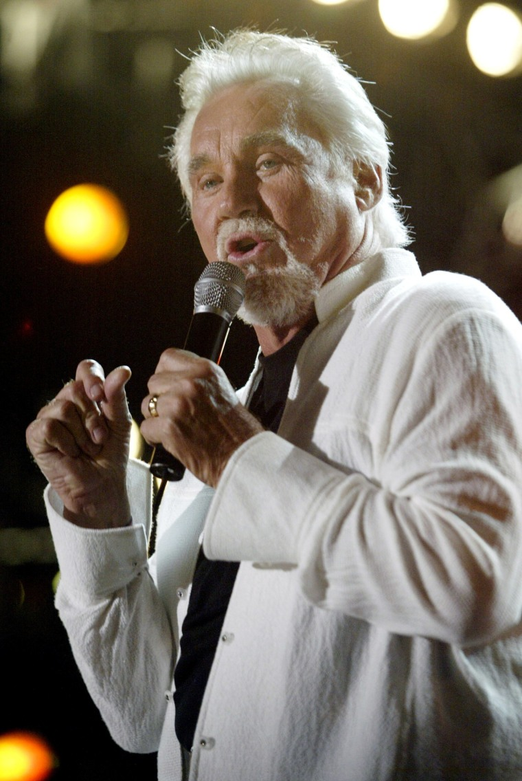 Image: FILE PHOTO: Country artist Kenny Rogers sings in Nashville, Tennessee