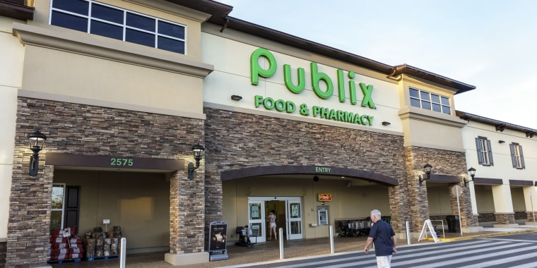 The entrance to Publix, grocery store in Ocala.