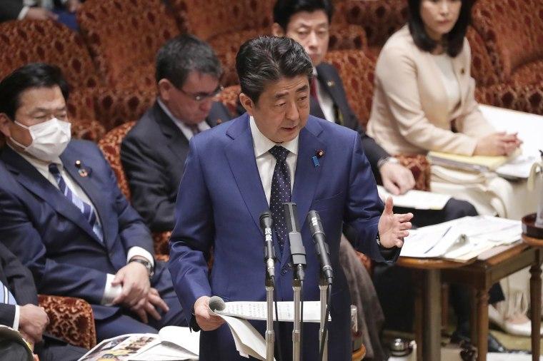 Image: Japanese Prime Minister Shinzo Abe addresses Parliament in Tokyo