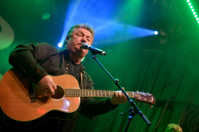 Image: Joe Diffie performs in Nashville in 2014.