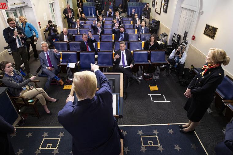 Image: Donald Trump, Deborah Birx