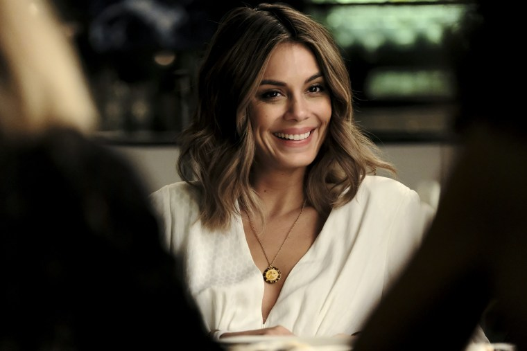 """Image: Nathalie Kelley in ABC's \""""The Baker and the Beauty.\"""""""