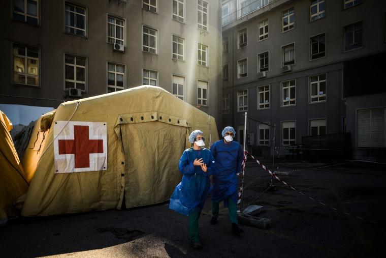 Image: TOPSHOT-PORTUGAL-HEALTH-VIRUS-HOSPITAL