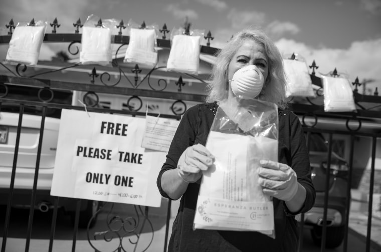 Image: Daily life in West Hills under the coronavirus pandemic