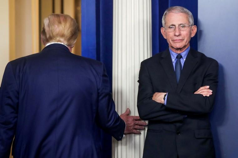 Image: U.S. President Trump leads daily coronavirus response briefing at the White House in Washington