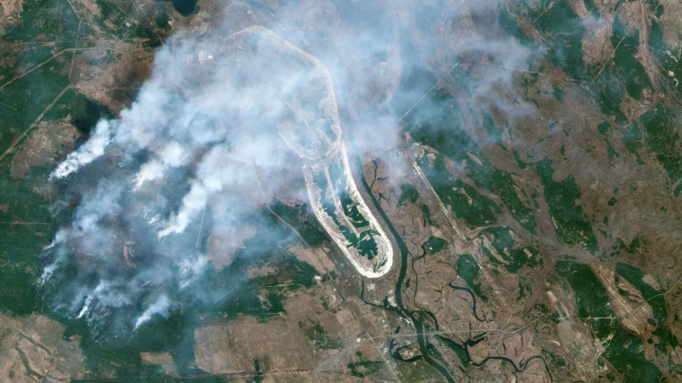 Image: A forest fire burning in the Chernobyl exclusion zone in Ukraine, not far from the nuclear power plant