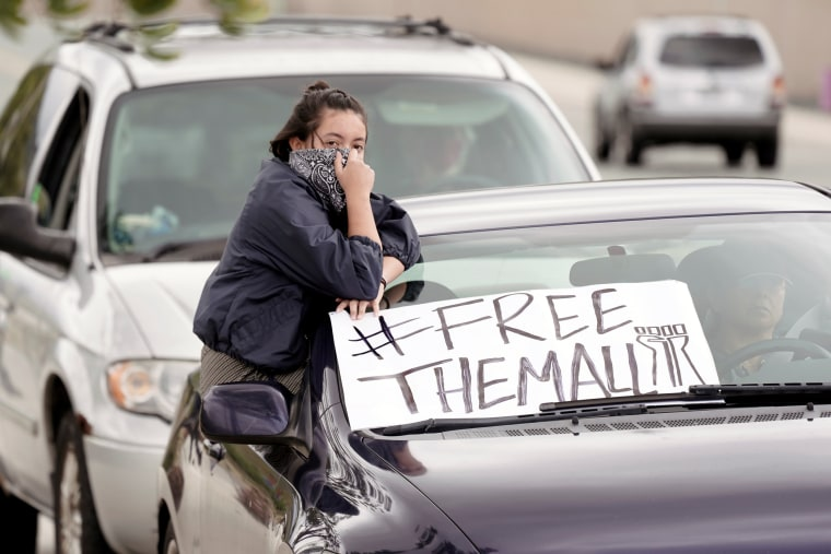 Image: Pueblo Sin Fronteras drive-by protest ICE at Otay Mesa Detention Center
