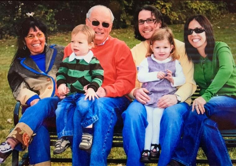 JoAnn Bell with her husband, children and grandchildren