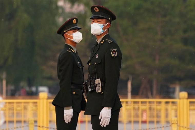 Imagem: Vida cotidiana em Pequim após a China declarar epidemia contida