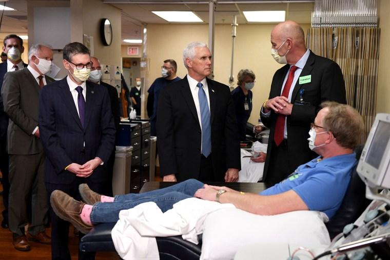 Image: Vice President Mike Pence tours Mayo Clinic facilities supporting coronavirus disease research and treatment in Rochester, Minnesota