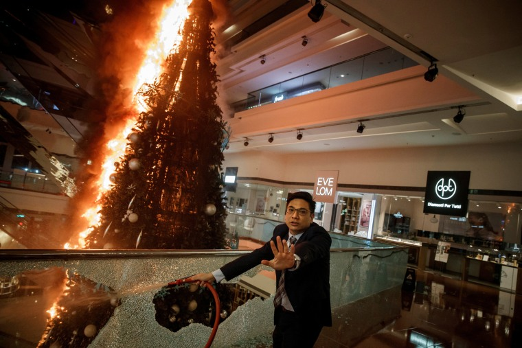 Image: Reuters Pulitzer Prize for Breaking News Photography
