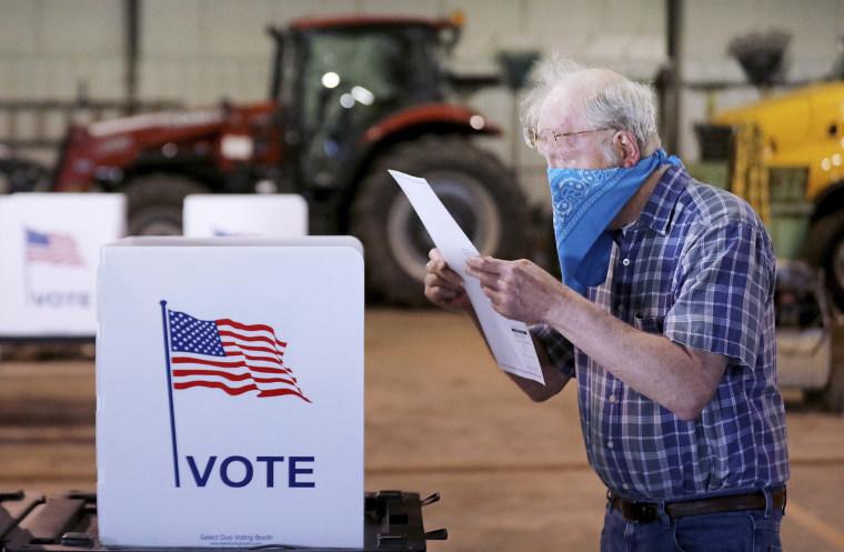 Image: Wisconsin voting