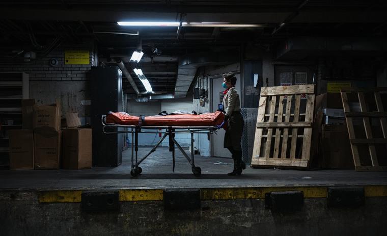 Image: Funeral Home Director In Residency Begins Career As Coronavirus Pandemic Overwhelms Industry