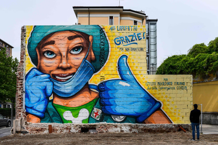 Image: ITALY-HEALTH-VIRUS-MURAL
