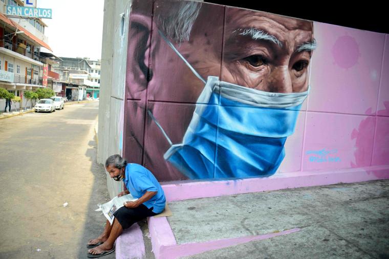 Image: TOPSHOT-MEXICO-HEALTH-VIRUS