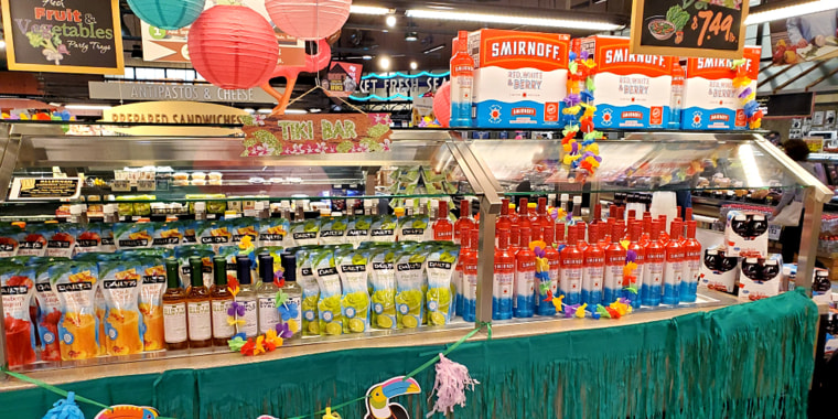 A Dierbergs location in Arnold, Missouri, created a tiki bar where its salad bar once was.