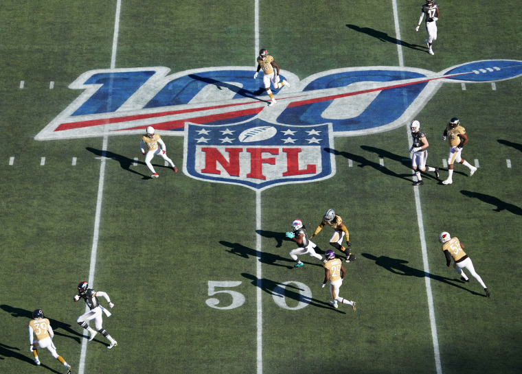 Image: The Buffalo Bills and New England Patriots during the 2020 NFL Pro Bowl in Orlando