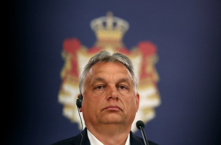 Image: Serbian President Vucic meets Hungarian PM Orban in Belgrade