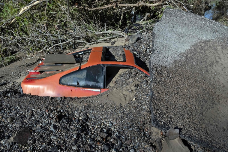 Image: US-FLOOD-DAM-MICHIGAN