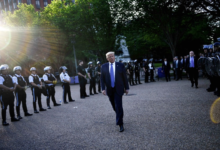 Image: US-TRUMP-MINORITIES-POLICE-politics-DEMONSTRATION