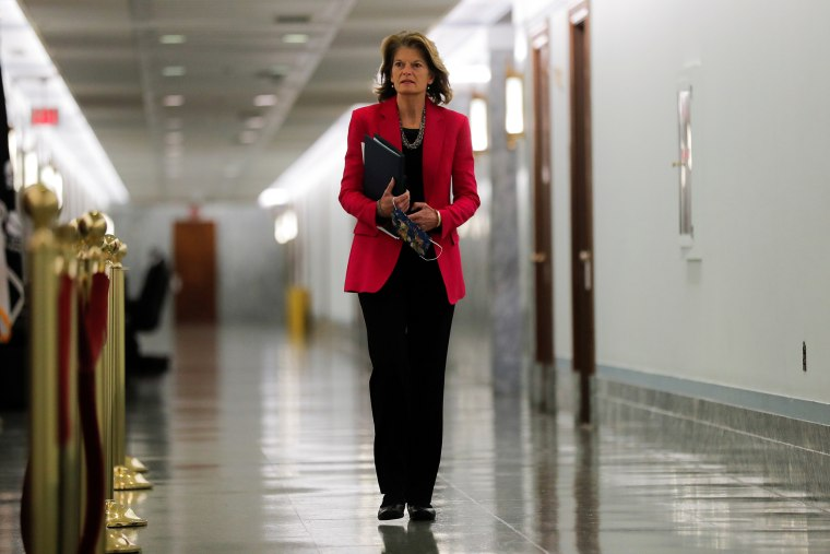 Image: U.S. senators arrive for Senate Health hearing on reopening the economy amid coronavirus outbreak in Washington