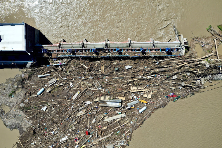 Image: Stunned evacuees face 'unthinkable' flood damage
