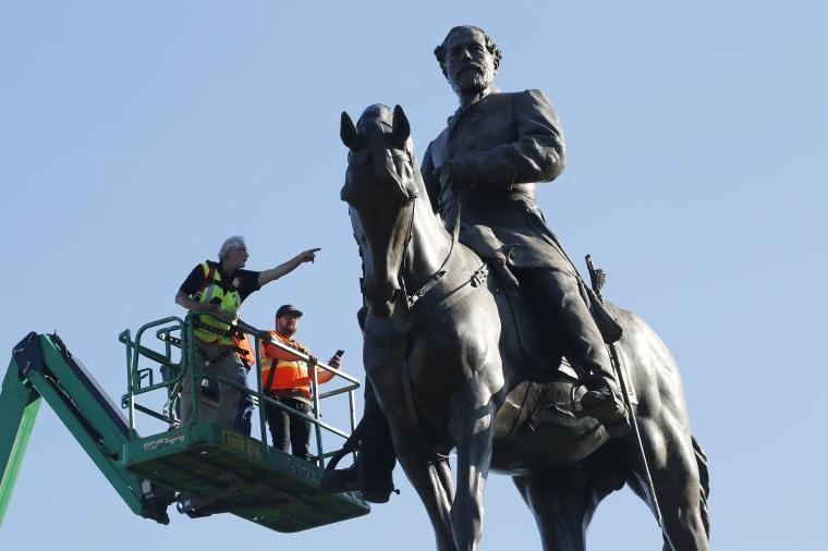 Image:  Robert E. Lee statue