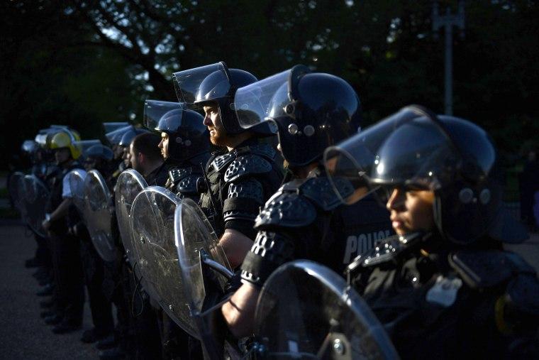 Image: Secret Service Lafayette Park