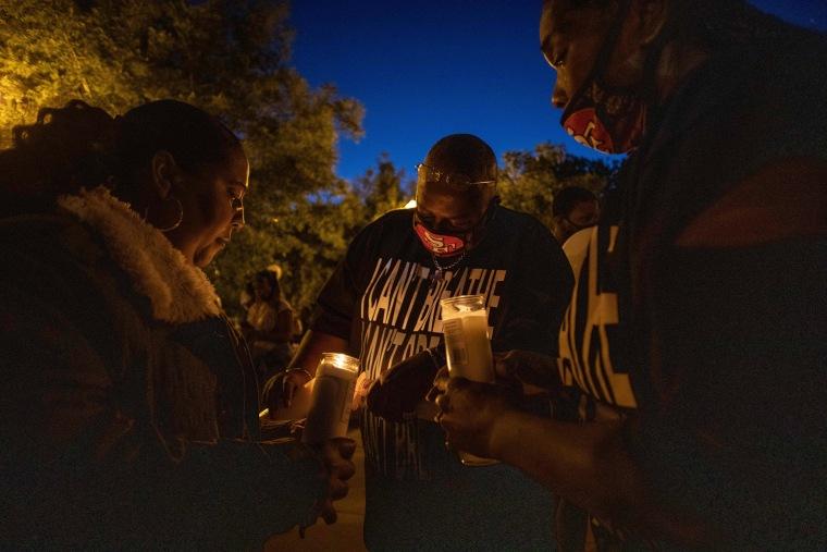 Image: Robert Fuller memorial, US-POLITICS-RACISM-UNREST