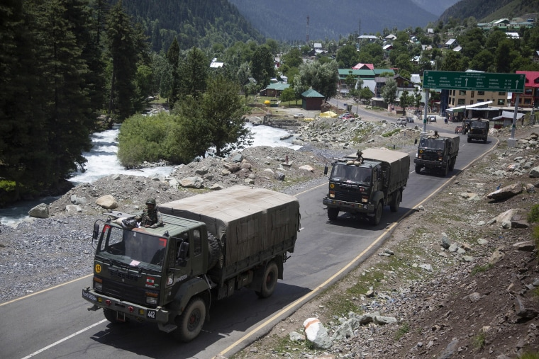 Image: An Indian army convoy