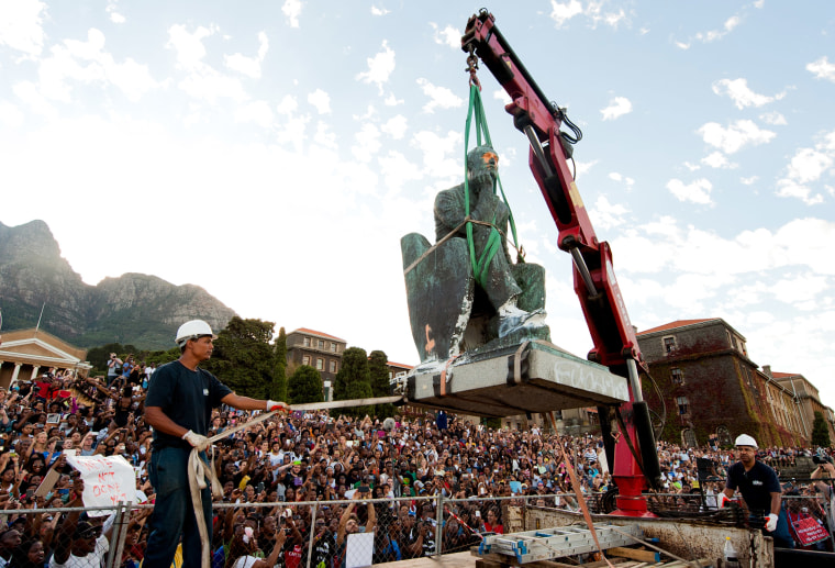 Image: The Cecil John Rhodes statue is removed at the University of Cape Town