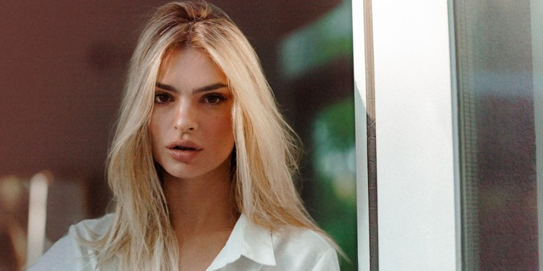 Ratajkowski debuted a new blonde look for the first time ever!