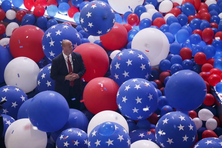 Image: 2016 DNC Secret Service Agent, balloons
