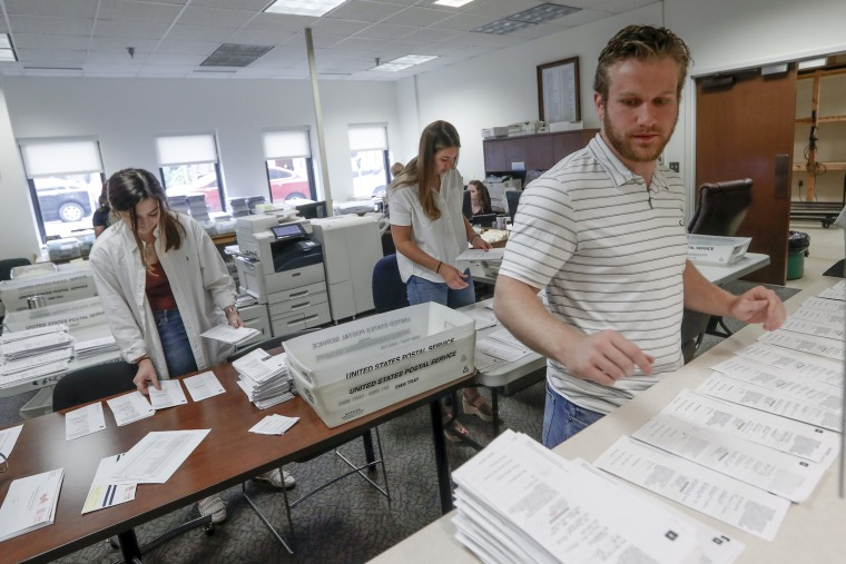 Image: Mail-in ballots