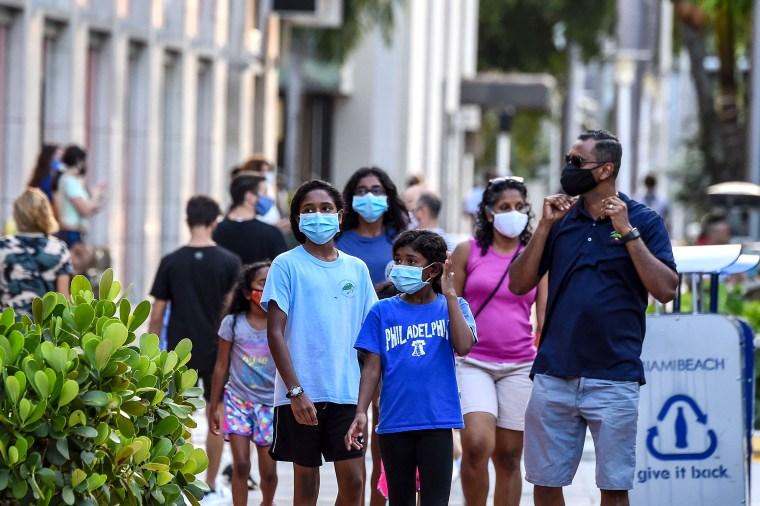Image: US-HEALTH-VIRUS-FLORIDA