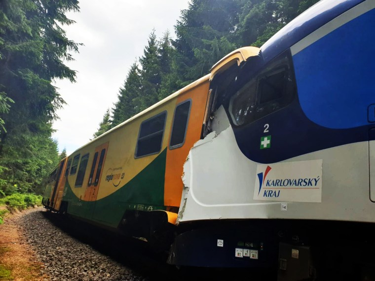 Image: Train collision Czech Republic