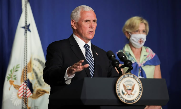 Image: U.S. Vice President Pence leads White House coronavirus task force briefing at the Education Department in Washington