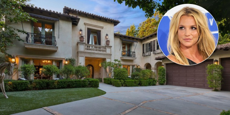 Cher's charming Beverly Hills house is for sale.