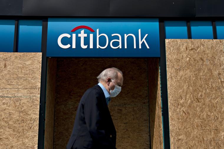 Image: Citibank, pedestrian