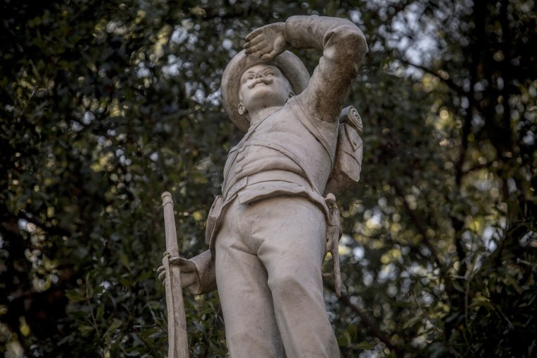 Image: Confederate soldier statue University of Mississippi
