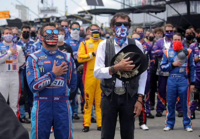 Image: NASCAR Cup Series GEICO 500