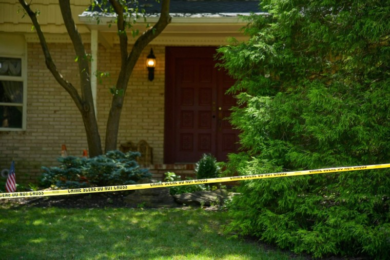 Image: Federal Judge's Son And Husband Shot At Their Home By Man Dressed As Delivery Person