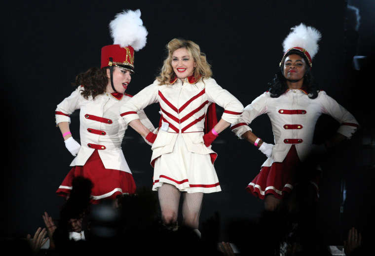 RUSSIA-PROTEST-RIGHTS-GAYS-MADONNA