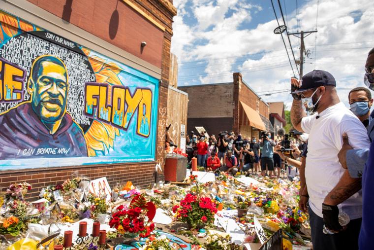 Image: A makeshift memorial honouring George Floyd in Minneapolis