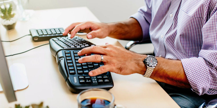 Finding the right keyboard for your work (or gaming) norms is largely up to your needs and limitations. Technology writer Whitson Gordon's used and tested dozens of keyboards (including ergonomic models) and offers up some of the best options to consider.