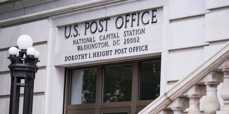 Image: Stimulus Bill Negotiations Stall on Postal Service Funding